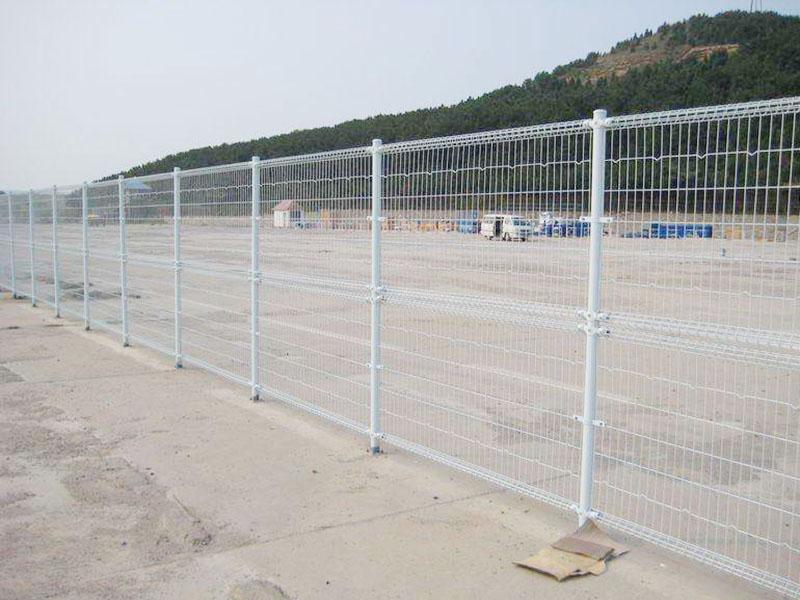 卷圈护栏网案例