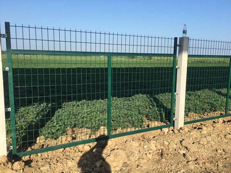 通线2012-8002防护栅栏