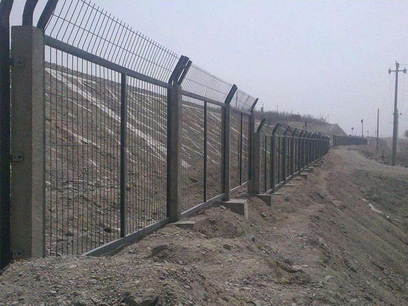 钢筋混凝土防护栅栏